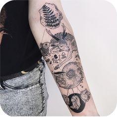"6,141 curtidas, 8 comentários - Tattoodo (@tattoodo) no Instagram: ""All the pretty things 🌿 @freeorgy #TATTOODO"""