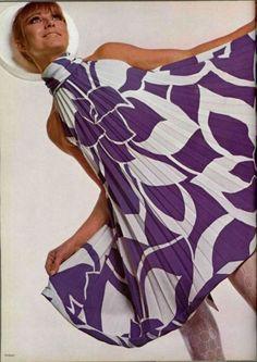 big ol' print. love // Pierre Cardin, 1967.