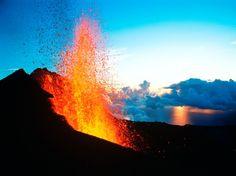 Piton de la Fournaise - île de La Réunion - Reunion Island - Océan Indien - Indian Ocean - Volcan - Volcano - Coulée de lave