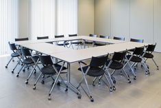 Conference table roll 'n meet from Kusch + Co, designed by Kusch + Co designteam - www.rohde-grahl.nl