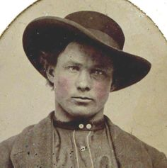vintage everyday: Rare Photos of Jesse James' Life - The Most Famous Member of the James-Younger Gang-Jesse as an outlaw.