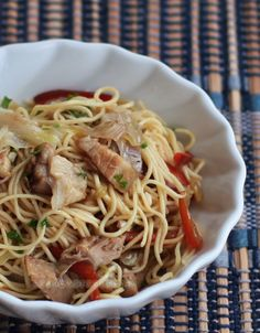 A light Asian stir fried noodle dish, this pork lo mein is flavored very simply with salt and pepper. No oyster sauce, no hoisin sauce.