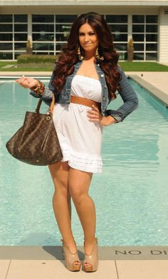 Tracy DiMarco <3 love her outfit