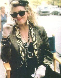 Madonna on set of Desperately Seeking Susan, 1984 Madonna Movies, 1980s Madonna, Lady Madonna, 80s Fashion Party, 70s Fashion, Korean Fashion, Divas, Desperately Seeking Susan, Madonna Fashion