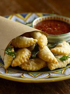 """Rissole (Stuffed Crispy """"Ravioli"""" Snacks)"""