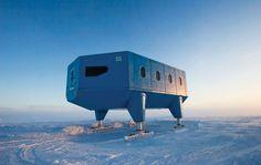 Base Halley VI, mantida pelo Reino Unido há 54 anos. O buraco na Camada de Ozônio foi identificado por cientistas nestas instalações