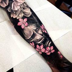 tattoos in japanese prints Rose Tattoos, Leg Tattoos, Black Tattoos, Small Tattoos, Tattoos For Guys, Irezumi Tattoos, Hannya Mask Tattoo, Japanese Leg Tattoo, Japanese Tattoo Designs