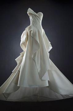 Rubin Singer Rubin Singer, 2014 Wedding Dresses || Colin Cowie Weddings- is it write I like this?