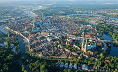 Lübecks Flusslandschaften gehören zu den schönsten Europas. Die Altstadt ist vom…
