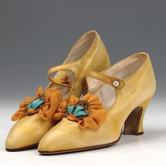 Shoes: Bar Shoes (1920s) by Northampton Museums, via Flickr