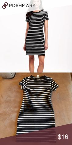 Striped Dress Striped dress, only wore it one time. Old Navy Dresses