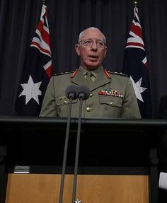 Defence Force chief General David Hurley has hit back at Labor defence spokesman Stephen Conroy over his attack on the integrity of the Abbott government's military border protection chief.