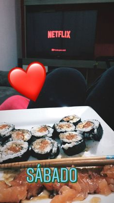 E perfeitoooooooo Creative Instagram Stories, Instagram Story Ideas, My Sushi, Cute Friend Pictures, Fake Girls, Fake Photo, Cute Friends, Dessert Recipes, Desserts