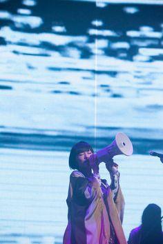椎名林檎、緻密な演出で魅せた「百鬼夜行」ツアーNHKホール公演(画像 5/9) - 音楽ナタリー