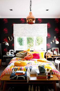 bedroom-colourful-wallpaper-pendant-light-apr15