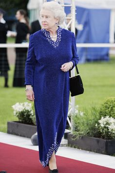 Photos of Queen Elizabeth's Style - How the British Queen's Fashion Has Evolved
