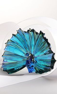 I wish I could get this!!!!    Swarovski SCS Annual Edition 2015 Peacock Arya