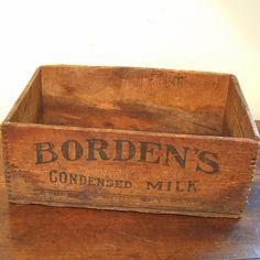 Retro Vintage Advertising Bordens Milk Crate Storage Display Carrier ...