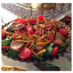 Enginarlı salata tarifi,Değişik salata tarifleri,Avakadolu salata tarifleri,Rokalı enginar salatası..Rokalı salata.