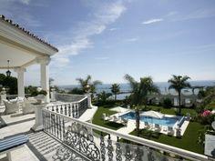 Villa Puerto Banus in Puerto Banús, Marbella, Málaga, Andalucía, Spain | ZOVUE