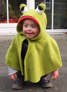 Kostüme für Kinder - Frosch Karnevalsumhang für Kleinkinder - ein Designerstück von Frau-Skalak bei DaWanda