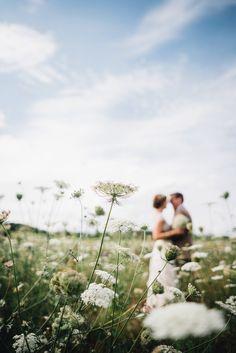 Marieke & Jan: DIY-Hochzeit im sommerlichen Rheingau – Hochzeitsfotografie und individuelle Papeterie