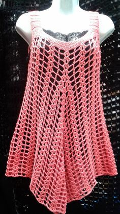 there is a link for several summer knit tops and dresses. NOT CROCHET, but will try to replicate this summer. would assume is finger weight yarnCrochet tunic (bathing suit cover-up?This Pin was discovered by best ideas about summer knitting pro Débardeurs Au Crochet, Mode Crochet, Crochet Cover Up, Crochet Shirt, Crochet Woman, Crochet Tops, Crochet Tunic Pattern, Top Pattern, Summer Knitting