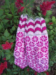 Estonian mittens.