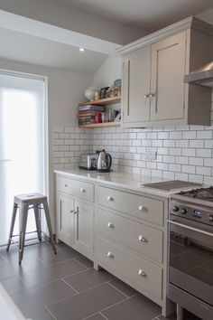 The Hither Green Shaker Kitchen by deVOL - contemporary - Kitchen - London - deVOL Kitchens Diy Kitchen, Kitchen Interior, Kitchen Decor, Kitchen White, Kitchen With Grey Floor, Galley Kitchen Design, Gloss Kitchen, Kitchen Pantry, Devol Kitchens