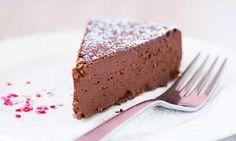 Ce-și poate dori cineva mai mult de la un desert decât să fie dulce, dar și sănătos.Consumul excesiv de zahăr dă dependență, supraîncarcă și afectează ficatul, mărește pofta de mâncare și duce la dezvoltarea rezistenței la insulină, Raw Dessert Recipes, Raw Desserts, Sugar Free Desserts, Dessert Drinks, Raw Food Recipes, Sweet Recipes, Healthy Baby Food, Healthy Deserts, Easy Sweets