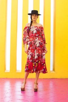 See the full Trina Turk Pre-Fall 2018 collection.