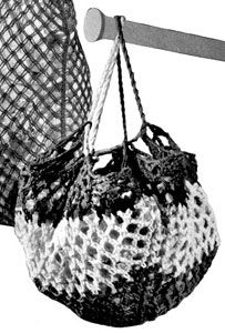 Round crochet shopping bag  has instructions using rug yarn-