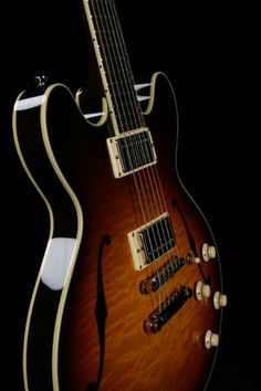 Collings I-35 Dlx   Handmade Instruments from Austin, TX
