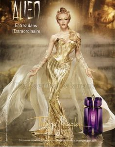 "Thierry Mugler Alien // I don't really get the ""mysterious"" quality. I can pick up the jasmine, wood and I think I know what the ""solar accord"" is. Not sure about the synthetic. I like it: it feels balanced, it makes SENSE to me. Is this because I am a weirdo?"