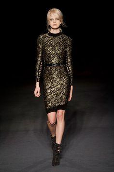 Julien Macdonald Runway | Fashion Week Fall 2013 Photos