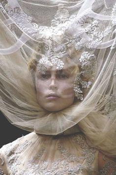 Mc queen   Marie Antoinette  style JW