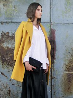 243583e6d2669d Schöner gelber Frühlingsmantel mit Kragen aus Italienischer Wolle / Elegant  yellow Italian wool Spring coat made