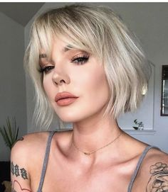 Bob Hairstyles With Bangs, Short Hair With Bangs, Short Hair Cuts, Cool Hairstyles, Thick Hair, Blonde Bob With Bangs, Bob Haircut With Bangs, Fringe Hairstyles, Blonde Hair
