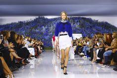 Dior Ready To Wear Spring Summer 2016 Paris - Inquietante ma non so perché NOWFASHION