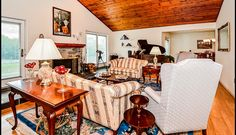 Gorgeous high ceilings and tons of natural light --> 861 HUNSICKER RD TELFORD, PA 18969 4 beds, 3 baths, $475,000