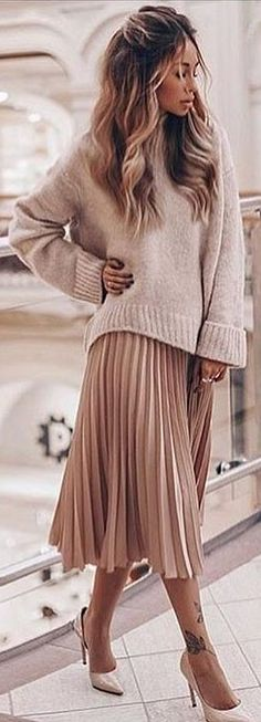 #fall #outfits beige sweater pleated skirt highheels