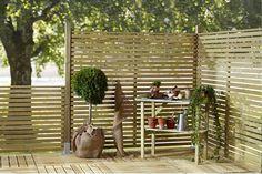 Billedresultat for vindskydd altan Outdoor Spaces, Outdoor Living, Garden Screening, Garden Fencing, Backyard Patio, Plank, Garden Inspiration, Landscape Design, Outdoor Gardens
