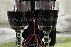 SUROVINY kuliček černého bezu (na váhu vody cukr krystal Winter Drink, Destiel, Red Wine, Wine Glass, Alcoholic Drinks, Food And Drink, Herbs, Tableware, Champagne