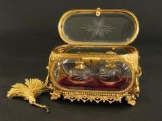 Buy online, view images and see past prices for Century Baccarat Perfume Bottles Casket. Invaluable is the world's largest marketplace for art, antiques, and collectibles. Antique Perfume Bottles, Vintage Bottles, Vases, Baccarat Crystal, Bottle Box, Bronze, Antique Boxes, Antique Glass, Celtic Art