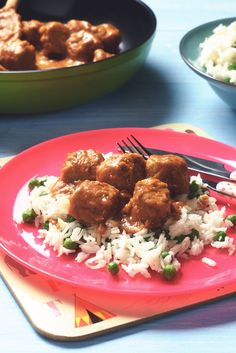 Try our easy meat free Meatballs with Rice and Satay Sauce Recipe, using Quorn Meat Free Swedish-Style Balls. Enjoy meat free alternatives with Quorn.