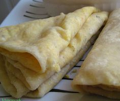 Roti/dalpuri 3 cups all purpose flour 1 to 1 tsp baking powder 4 oz shortening 1 to 1 cup water tsp salt cup oil 1 oz s. Carribean Food, Caribbean Recipes, Puri Recipes, Indian Food Recipes, Guyana Food, Mauritian Food, Trinidad Y Tobago, Trinidad Roti, Trini Food