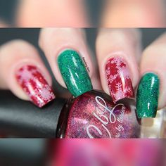 Colors by Llarowe (Winter 2015) Santa Baby and Tree of Lights. Nail art by @beachingnails on Instagram.