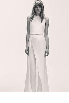 Para que vocês possam saber o que espera vocês nesse universo para o ano que vem, nós já selecionamos os 40 vestidos de noiva mais lindos dos melhores designers internacionais.