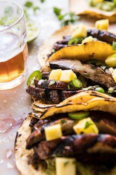 Asada Mushroom Tacos With Lime Smashed Avocado Veg Recipes, Mexican Food Recipes, Vegetarian Recipes, Healthy Recipes, Ethnic Recipes, Summer Recipes, Dinner Recipes, Hamburgers, Pizza Hamburger