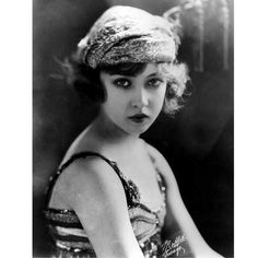 Doris Eaton Travis, the last surviving Ziegfeld Follie and silent film actress, died regal age of 106. Wasn't she just stunning! Her face is very ethereal and fairy-like. She was only 14 when she joined the Follies, the youngest to debut with them ever. She was such an inspiration. It really is the end of an amazing chapter in burlesque and vaudeville history.